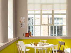 Przyjacielska Wymiana - Mała zamknięta szara żółta jadalnia jako osobne pomieszczenie, styl skandynawski - zdjęcie od Dulux