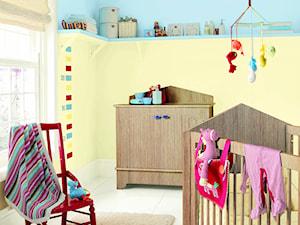 Dulux EasyCare - Średni żółty niebieski pokój dziecka dla chłopca dla dziewczynki dla niemowlaka, styl tradycyjny - zdjęcie od Dulux