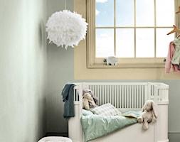 Kolor Roku 2020 - Mały szary pokój dziecka dla chłopca dla dziewczynki dla niemowlaka, styl skandynawski - zdjęcie od Dulux - Homebook
