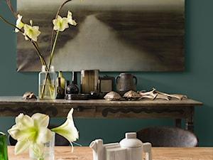 Intensywne kolory we wnętrzu - Średnia turkusowa jadalnia, styl vintage - zdjęcie od Dulux