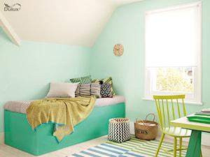Pokoje dla dzieci i młodzieży - Średni pastelowy miętowy pokój dziecka dla chłopca dla dziewczynki dla malucha, styl skandynawski - zdjęcie od Dulux
