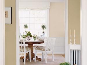 Pokoje dzienne - Mała otwarta beżowa szara jadalnia jako osobne pomieszczenie, styl prowansalski - zdjęcie od Dulux
