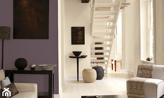 salon tradycyjny z fioletową nutą
