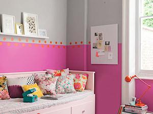 Dulux EasyCare - Mały szary różowy pokój dziecka dla dziewczynki dla malucha, styl vintage - zdjęcie od Dulux