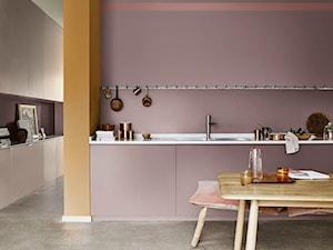 Paleta kolorów roku - Średnia otwarta beżowa pomarańczowa kuchnia jednorzędowa w aneksie - zdjęcie od Dulux