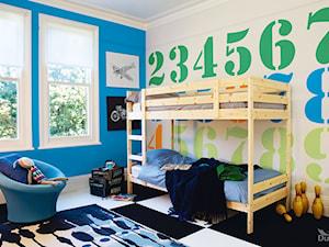 Pokoje dla dzieci i młodzieży - Średni biały niebieski zielony pomarańczowy kolorowy pokój dziecka dla chłopca dla rodzeństwa dla malucha, styl tradycyjny - zdjęcie od Dulux