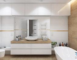 Wnętrze domu w zabudowie szeregowej - Ruda Śląska - Duża biała łazienka w bloku w domu jednorodzinny ... - zdjęcie od RESE Architekci Studio Projektowe - Homebook