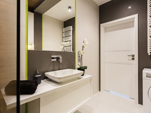 Zielono mi - Mała czarna szara łazienka na poddaszu w bloku w domu jednorodzinnym bez okna, styl nowoczesny - zdjęcie od ARCHITETTO