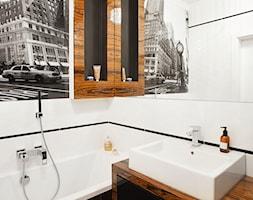 Apartament 50 m.kw w palisandrze - Średnia biała czarna brązowa łazienka w bloku bez okna, styl nowoczesny - zdjęcie od ARCHITETTO