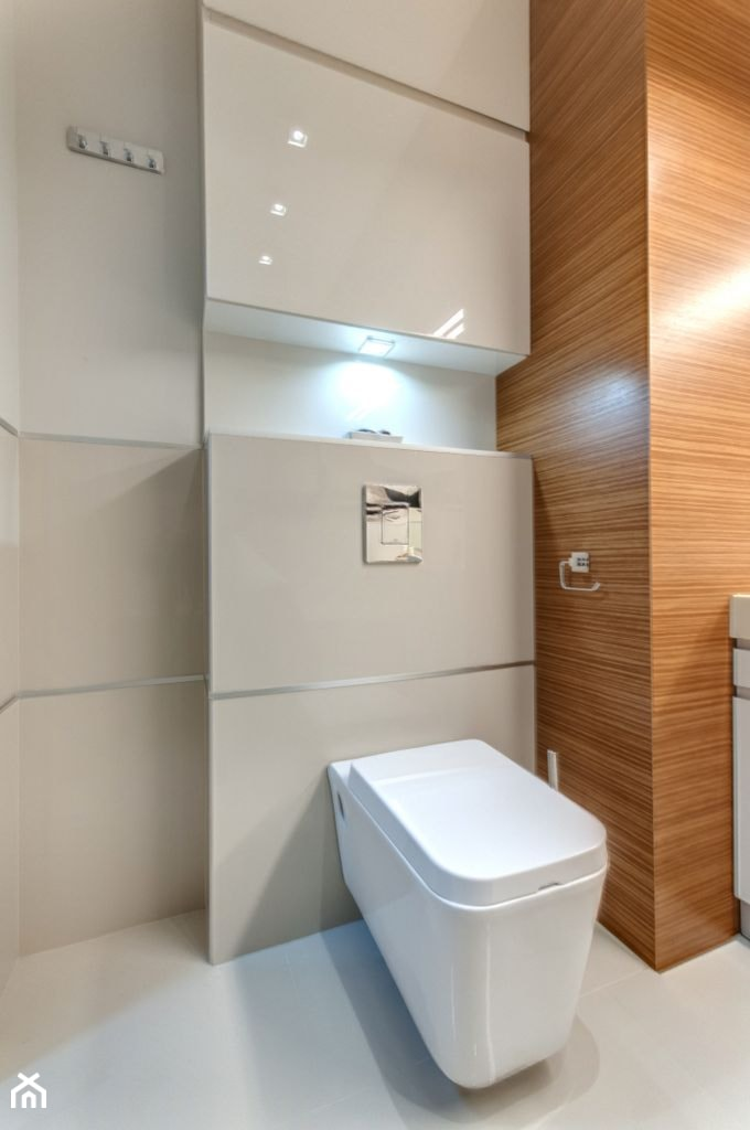 Apartament z morzem w tłe - Mała łazienka w bloku bez okna, styl nowoczesny - zdjęcie od ARCHITETTO