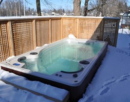 Basen+z+przeciwpr%C4%85dem+wody+Aquatrainer+Swim+Spa+FX+14+-+zdj%C4%99cie+od+Meadow+Group