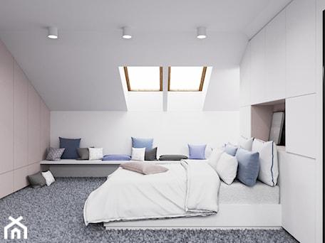 Aranżacje wnętrz - Sypialnia: Dom udomowiony - Średnia biała sypialnia małżeńska na poddaszu, styl nowoczesny - LIVING BOX. Przeglądaj, dodawaj i zapisuj najlepsze zdjęcia, pomysły i inspiracje designerskie. W bazie mamy już prawie milion fotografii!