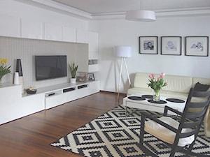 Salon - Średni biały salon, styl skandynawski - zdjęcie od RED design