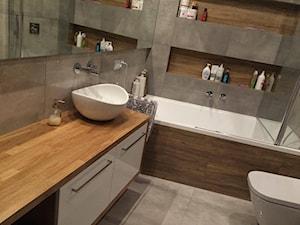 Realizacja projektu - łazienka beton z drewnem - zdjęcie od Anna Jędrzejuk