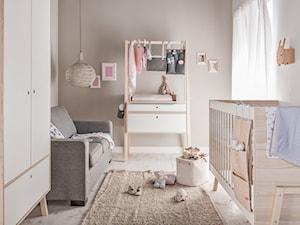 Konkurs Z VOX WOLNO POMARZYĆ - Mały biały szary pokój dziecka dla dziewczynki dla niemowlaka - zdjęcie od VOX