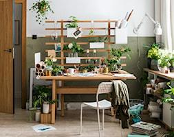 Ekosystem - Małe zielone białe biuro pracownia, styl skandynawski - zdjęcie od VOX