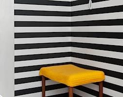 Prezd - Mały biały czarny hol / przedpokój, styl nowojorski - zdjęcie od JN STUDIO JOANNA NAWROCKA