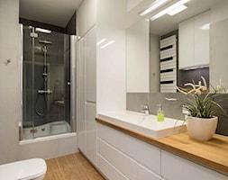 Mieszkanie kolorowe - Średnia szara łazienka bez okna, styl nowoczesny - zdjęcie od JN STUDIO JOANNA NAWROCKA