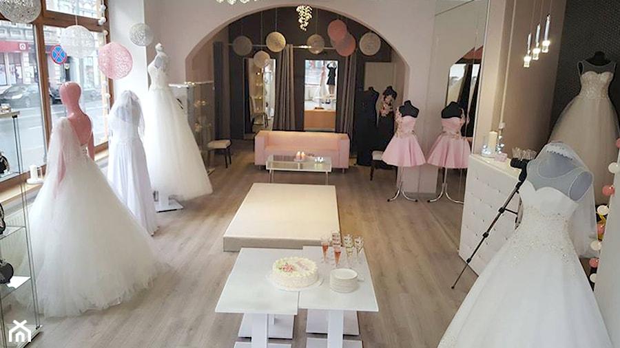 Salon sukien ślubnych - Wnętrza publiczne, styl nowojorski - zdjęcie od JN STUDIO JOANNA NAWROCKA