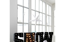 Duże świecące litery - ozdoby świąteczne - zdjęcie od scandiliving.pl