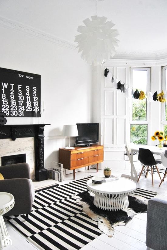 black&white/inspiracje pozyskane z Pinterest - Salon, styl vintage - zdjęcie od Maison Studio - Architektura Wnetrz. Żaklina Litwa - Homebook