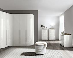 Sypialnie - Średnia otwarta garderoba przy sypialni, styl minimalistyczny - zdjęcie od Radius Centrum Meble