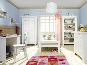 Pokoje dziecięce - Średni pastelowy niebieski pokój dziecka dla chłopca dla ucznia dla nastolatka, styl skandynawski - zdjęcie od Radius Centrum Meble