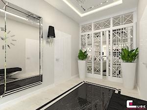 DOM Z ANTRESOLĄ - Średni beżowy hol / przedpokój, styl art deco - zdjęcie od CUBE Interior Design