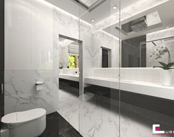 Projekt wnętrz domu w Wołominie - Średnia biała łazienka na poddaszu w bloku w domu jednorodzinnym z oknem, styl glamour - zdjęcie od CUBE Interior Design