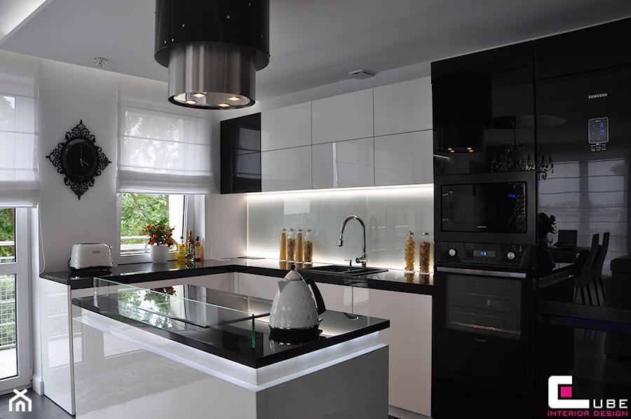 Średnia otwarta kuchnia w kształcie litery l z wyspą, styl   -> Kuchnie Prowansalskie Zdjecia