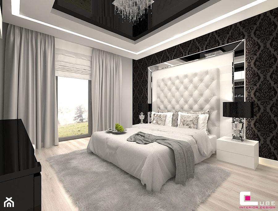 DOM POD LEGNICĄ - Duża biała szara czarna sypialnia małżeńska, styl glamour - zdjęcie od CUBE Interior Design