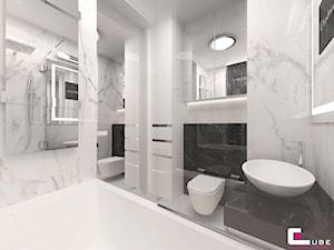 Mieszkanie pokazowe w Konstancinie-Jeziornie - Średnia biała łazienka na poddaszu w bloku w domu jednorodzinnym bez okna, styl nowoczesny - zdjęcie od CUBE Interior Design