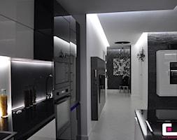 Średni biały hol / przedpokój, styl glamour - zdjęcie od CUBE Interior Design