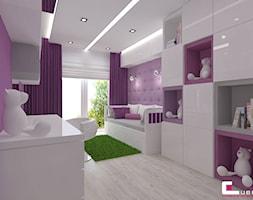 Dom w Lipkowie - Średni szary fioletowy pokój dziecka dla dziewczynki dla ucznia dla nastolatka, styl nowoczesny - zdjęcie od CUBE Interior Design