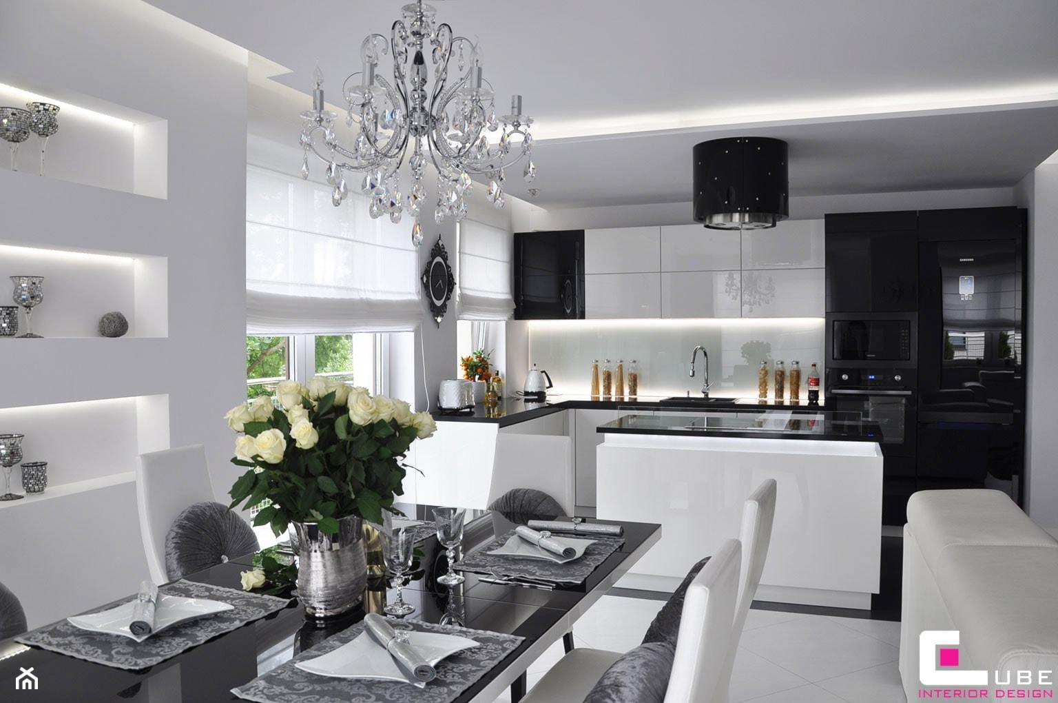 Mieszkanie Białołęka, Warszawa - Duża otwarta biała kuchnia w kształcie litery l z wyspą, styl nowoczesny - zdjęcie od CUBE Interior Design - Homebook