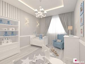 Mieszkanie 70 m2 w Warszawie - Średni szary pokój dziecka dla chłopca dla dziewczynki dla niemowlaka, styl klasyczny - zdjęcie od CUBE Interior Design
