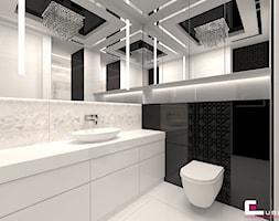 Mieszkanie w Warszawie - Mała biała czarna łazienka na poddaszu w bloku w domu jednorodzinnym, styl glamour - zdjęcie od CUBE Interior Design
