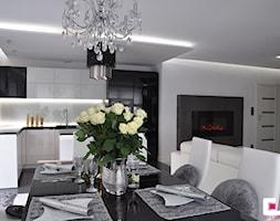 Mieszkanie Białołęka, Warszawa - Średnia otwarta biała jadalnia w kuchni w salonie - zdjęcie od CUBE Interior Design