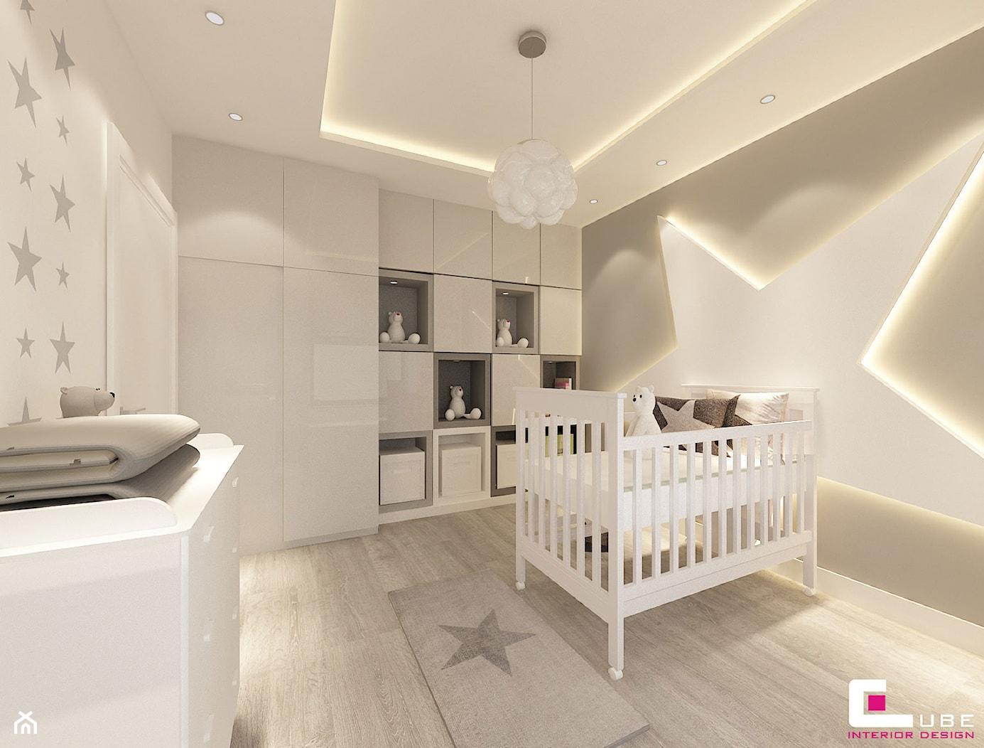 Dom na Zaciszu - Średni biały szary pokój dziecka dla chłopca dla dziewczynki dla niemowlaka, styl ... - zdjęcie od CUBE Interior Design - Homebook