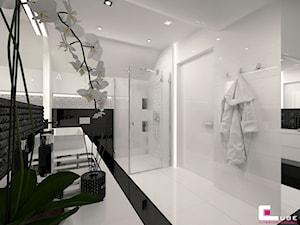 DOM POD LEGNICĄ - Średnia łazienka w bloku w domu jednorodzinnym bez okna, styl glamour - zdjęcie od CUBE Interior Design