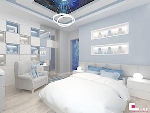 Projekt wnętrz domu w Wołominie - Średni szary niebieski pokój dziecka dla chłopca dla nastolatka, styl nowoczesny - zdjęcie od CUBE Interior Design