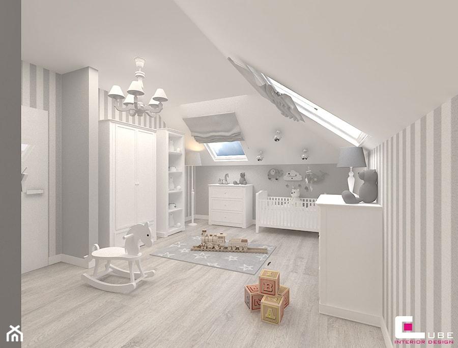Aranżacje wnętrz - Pokój dziecka: Dom w Kępie Okrzewskiej - Średni biały szary pokój dziecka dla chłopca dla niemowlaka, styl klasyczny - CUBE Interior Design. Przeglądaj, dodawaj i zapisuj najlepsze zdjęcia, pomysły i inspiracje designerskie. W bazie mamy już prawie milion fotografii!