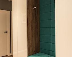 Apartament - Garnizon - Średni czarny hol / przedpokój, styl nowoczesny - zdjęcie od Autors.KA - Homebook