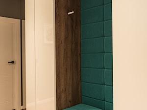 Apartament - Garnizon - Średni czarny hol / przedpokój, styl nowoczesny - zdjęcie od Autors.KA