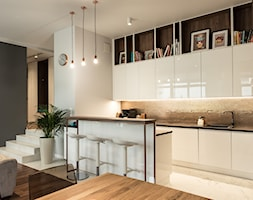 Apartament - Garnizon - Średnia otwarta biała szara kuchnia w kształcie litery l w aneksie, styl n ... - zdjęcie od Autors.KA - Homebook