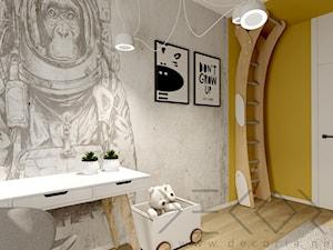 Pokój dziecięcy - Średni szary żółty pokój dziecka dla chłopca dla dziewczynki dla ucznia dla nastolatka - zdjęcie od Decoria