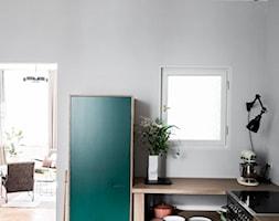 Warszawa Filtry - Średnia otwarta szara kuchnia w kształcie litery l z oknem, styl minimalistyczny - zdjęcie od Loft Kolasiński