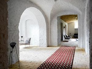 Letnie mieszkanie pod Berlinem - Duży szary hol / przedpokój, styl skandynawski - zdjęcie od Loft Kolasiński