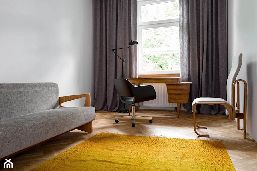 Aranżacje wnętrz - Biuro: Vintage - Loft Kolasiński. Przeglądaj, dodawaj i zapisuj najlepsze zdjęcia, pomysły i inspiracje designerskie. W bazie mamy już prawie milion fotografii!