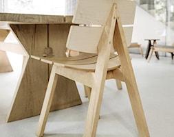 Dom na Prenzlauer Berg - Średnia otwarta biała jadalnia jako osobne pomieszczenie, styl minimalistyczny - zdjęcie od Loft Kolasiński